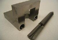 超硬合金・チタン合金製の精密部品