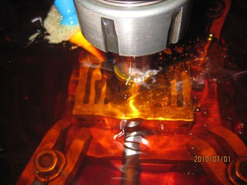 超硬合金への放電加工
